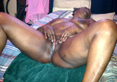 Fatty black mom fucks with her new..