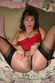 Curvy mature cougars spreading their..