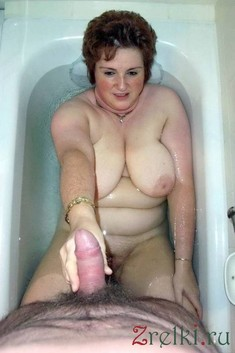 Naked mature moms rubbed their..