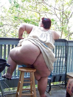 Huge old ass and huge vagina