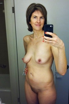 Lonely mature ladies are doing naked..