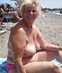 Plumper Beach Pussy